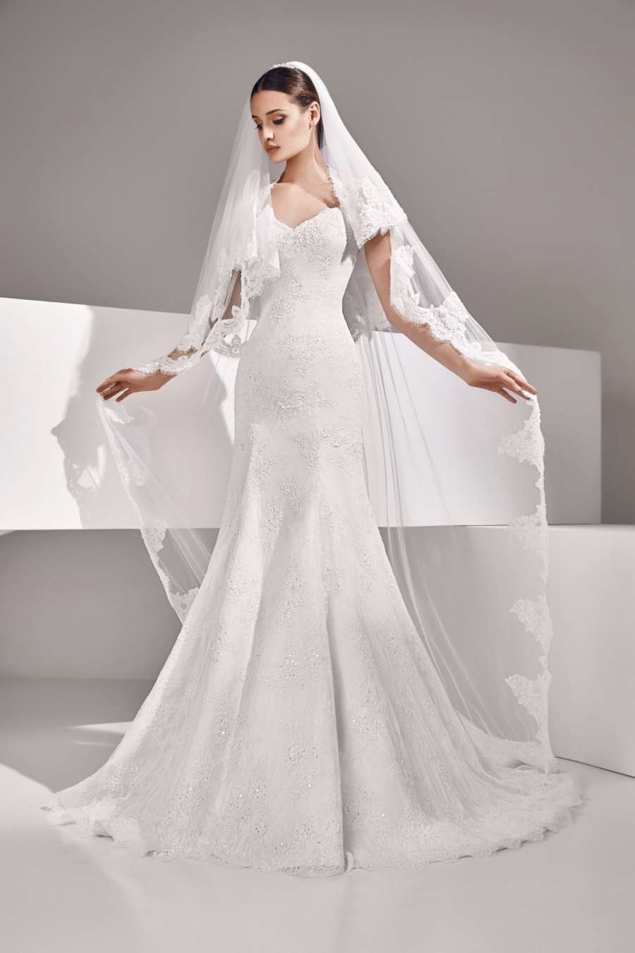 Amour Bridal VBL005