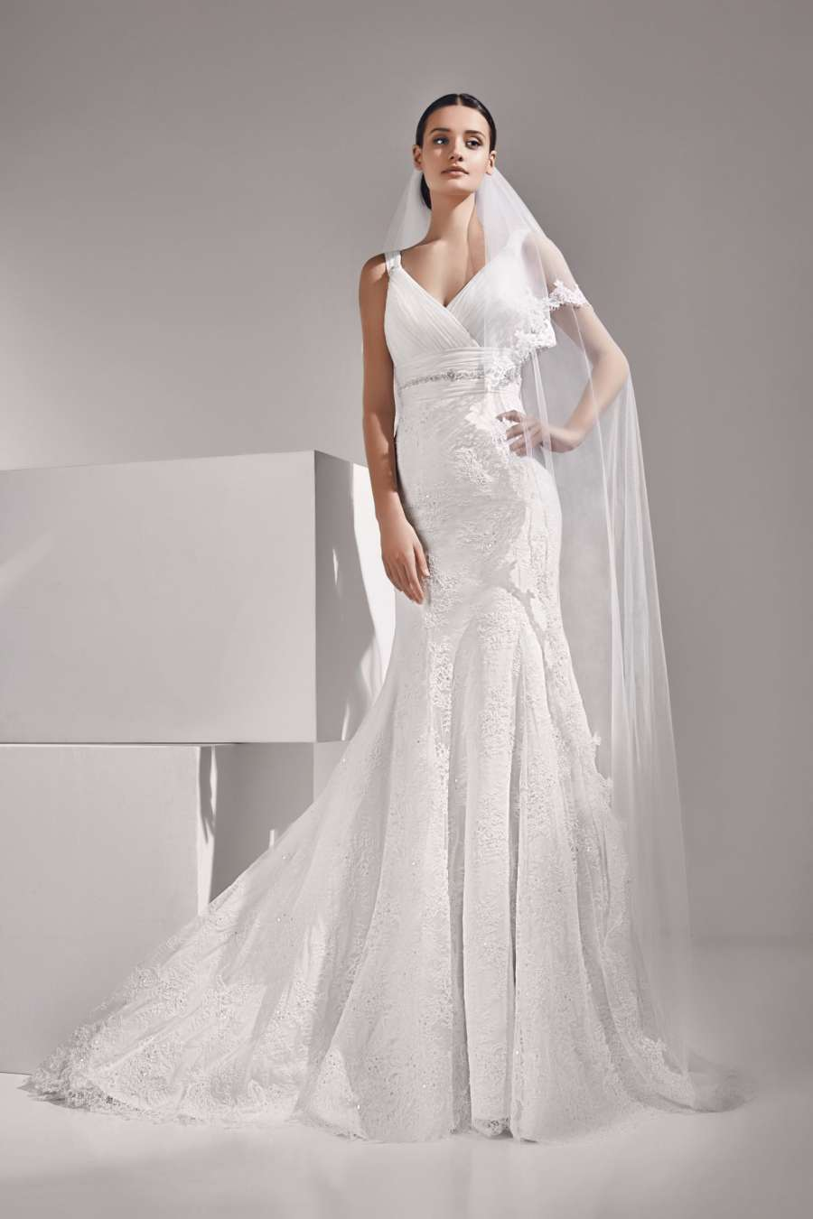 Amour Bridal VBL006