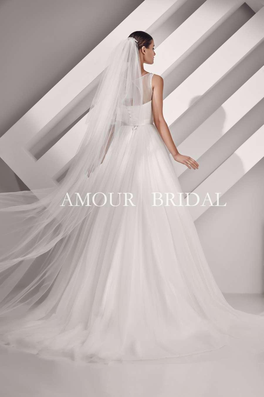 Amour Bridal V012